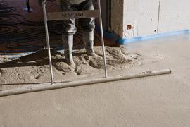 r ussir son plancher chauffants en utilisant le ciment sensium lafarge ciment. Black Bedroom Furniture Sets. Home Design Ideas
